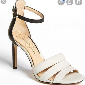 New Jessica Simpson Black & White Maselli 6.5